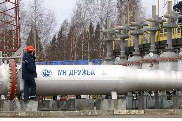 Росія поступово повертає собі забруднену нафту