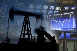 Нафта дешевшає на зміцненні долара і очікуванні зростання поставок.