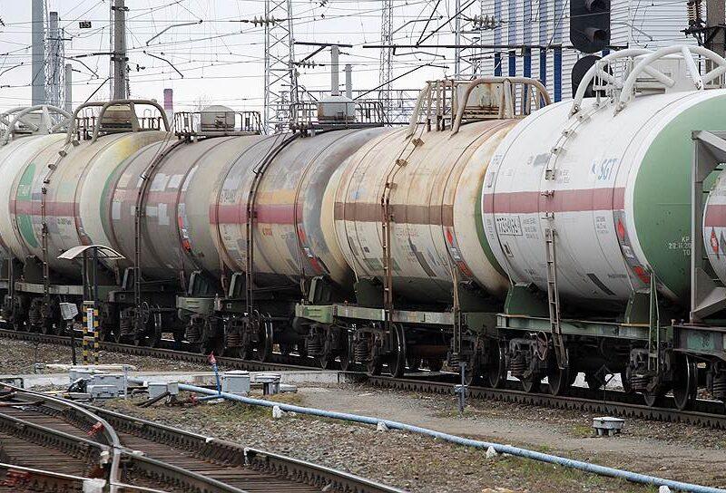 Простої на «Укрзалізниці» призвели до зростання цін на ДП.